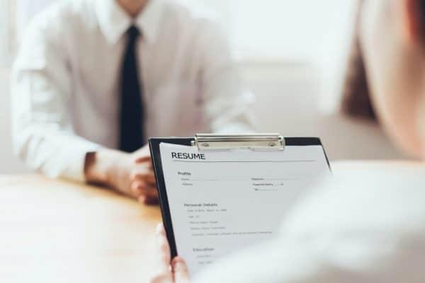Le CV : une composante de plus en plus essentielle pour trouver du travail