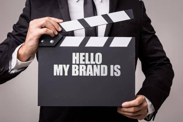Comment savoir si le nom d'une marque est disponible ?